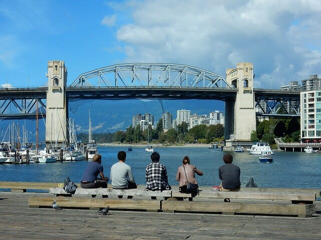 burrard street bridge 1656206 640 - モントリオール留学が人気な理由。基本情報とメリット・デメリット完全ガイド