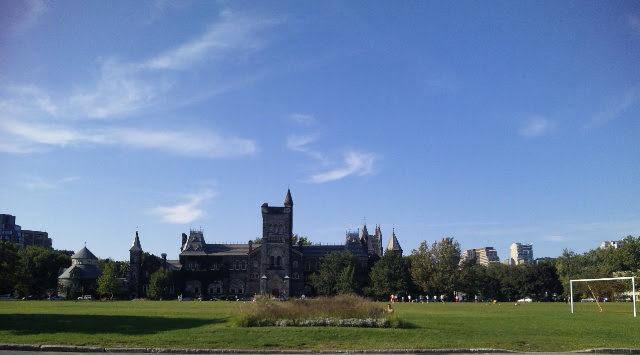 tronto univ 1 e1580286637587 - カナダの大学制度と入学要件。ランキング上位10校もご紹介!